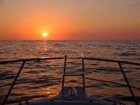 夕阳从大海