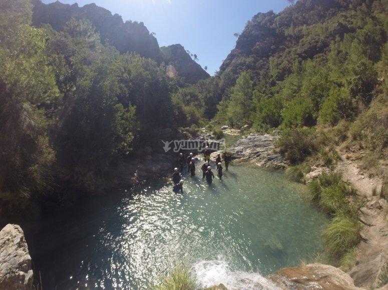 En el lecho del río