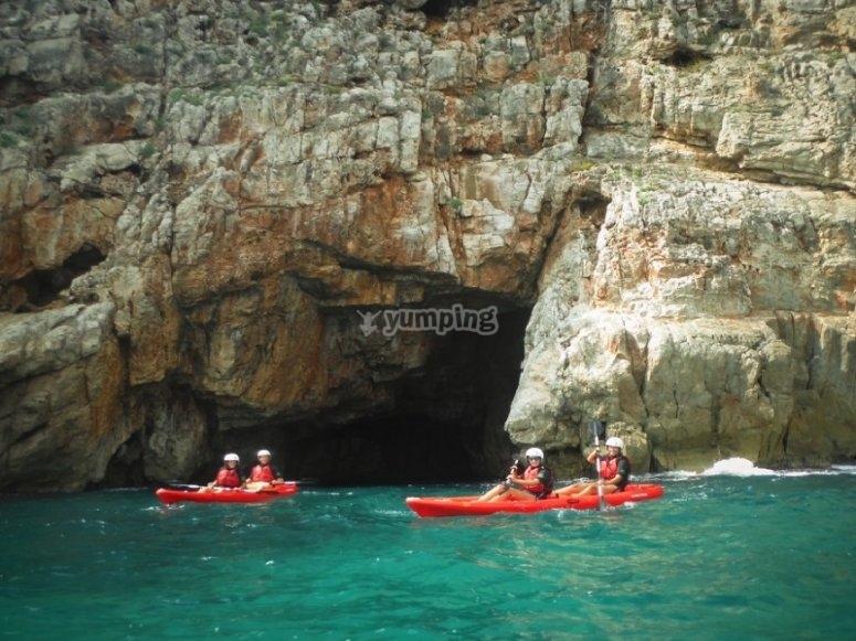 Salida en kayak por cuevas de Dénia
