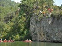 Rapel junto a las canoas