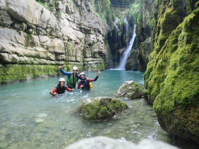 Urian Guías de Montaña y Barrancos Despedidas de Soltero