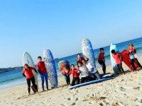 Alumnos de Punko Escula de Surf.