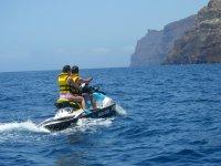 Disfruta de la costa en moto de agua