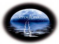 Sendero y Luna Senderismo