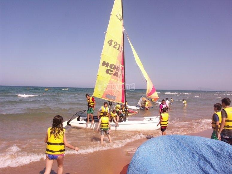 Embarcacion en la orilla