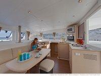 Interior del catamarán.