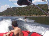 Aprendiendo wakeboard en Madrid