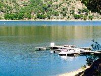 Wakeboard y barco en el Pantano de San Juan
