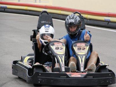 Carrera en Karting Biplaza en Ibiza 8 minutos