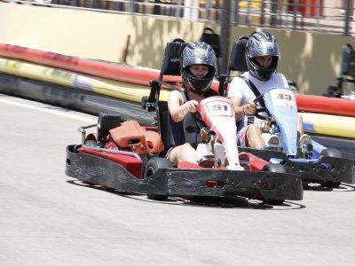 Conducir kart en Ibiza para adultos 8 minutos