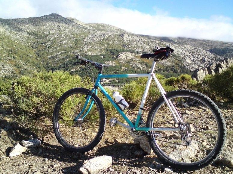 Bicicleta en la naturaleza