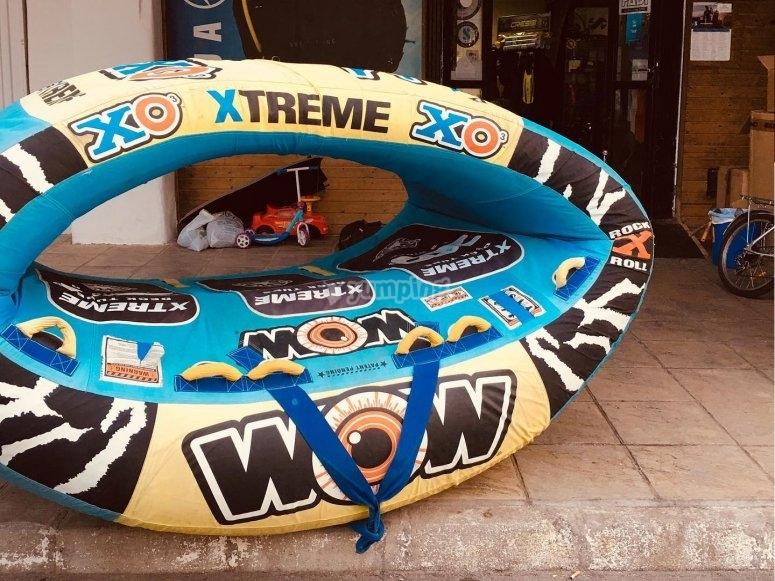 Nuestro donut gigante en las instalaciones