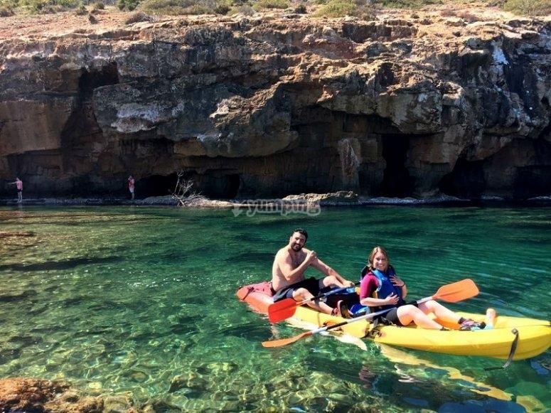 Ruta en canoa por cuevas