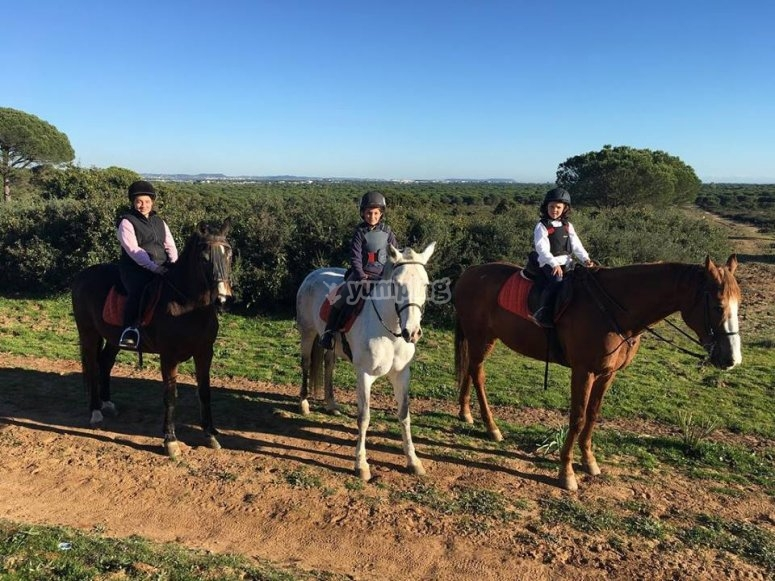 A caballo por los campos de Cadiz