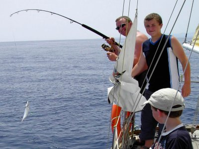 Fishing trip on boat in Benalmádena. Adult. 1h.