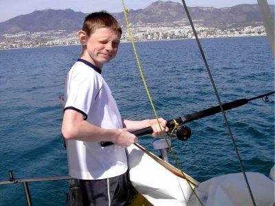 Salida de pesca en barco en Benalmádena, niños 1h