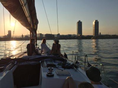 Puesta de sol desde barco en Barcelona