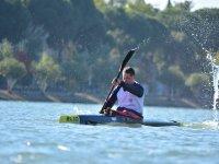 Remando con soltura en el kayak