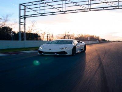 Conducir un Lamborghini Huracan en Cheste 1 vuelta