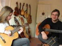 Aprendiendo a tocar la guitarra