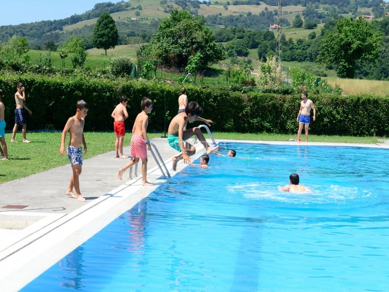 Camp with pool