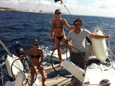 Navegar en Bahía de Palma en despedida de soltero