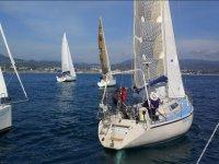 帆船航行出来布拉内斯海岸