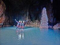 Búsqueda del tesoro en una cueva de Mallorca Niños