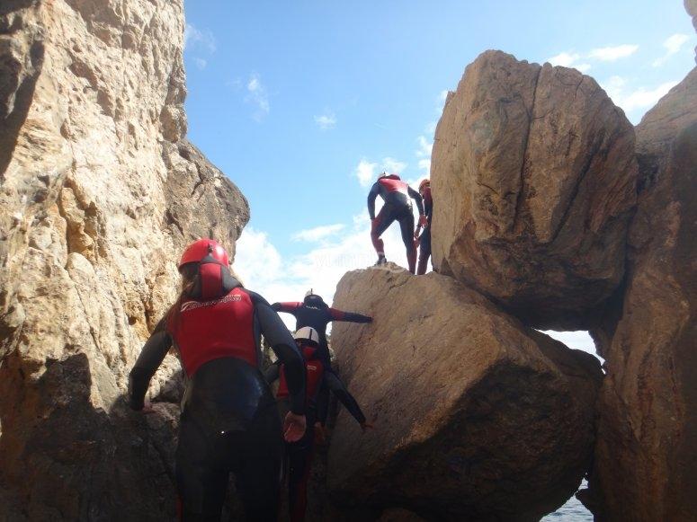 Rocks climbing