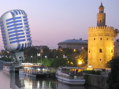Boat trip in Seville with comedy monologues