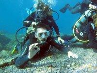 Tocando el fondo marino