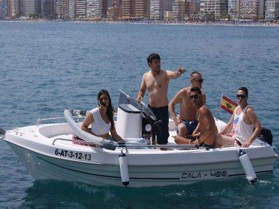 Navegar en lancha con titulación en Benidorm 4 h