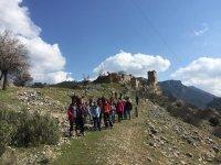 Escursione attraverso le montagne