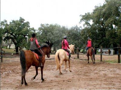 Ruta a caballo con luna llena, río Odiel, parejas
