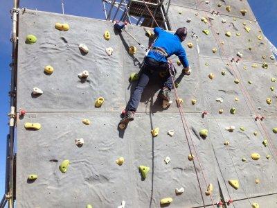 Escalada en rocódromo en Lagunas de Ruidera 1 hora