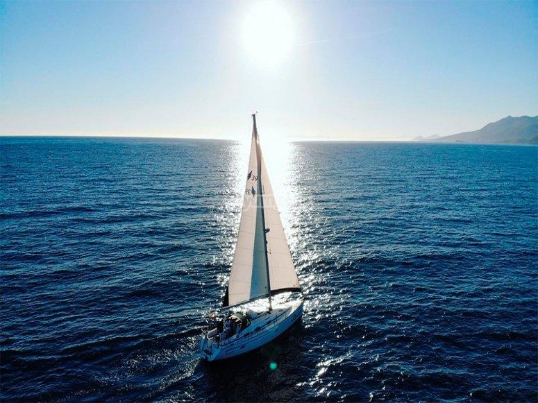 帆船改变轨迹
