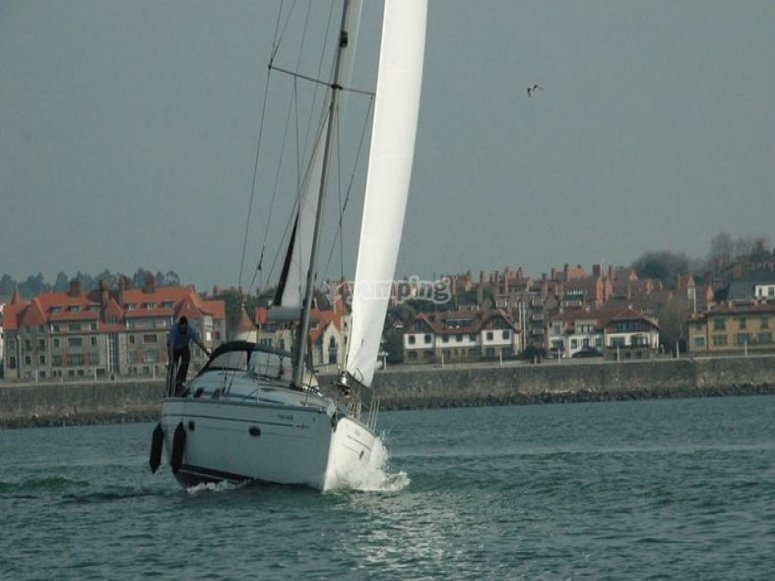 Sailboat doing the route