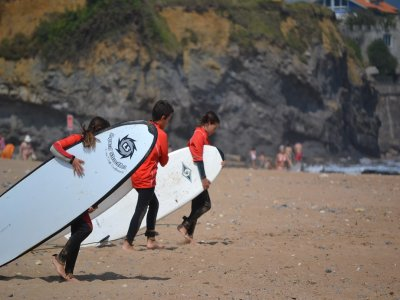 在Colunga冲浪课程5天