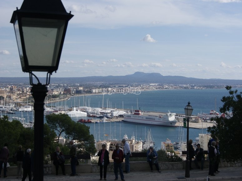 Sightings of the seaport and the Bay of Palma