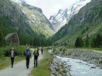 ruta al Refugio Vittorio Emanuele en los alpes italianos.JPG
