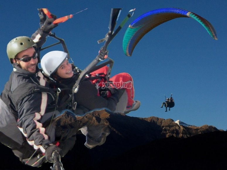 Two-seater paragliding in Benasque