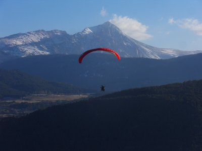 Economical paragliding baptism in Pyrenees