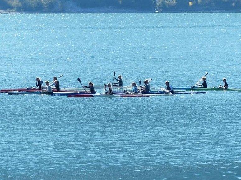 salida en grupo de kayaks