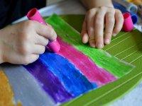 pintando en el taller