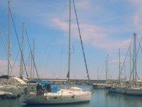 Jornada en velero desde Estepona, snorkel y pesca