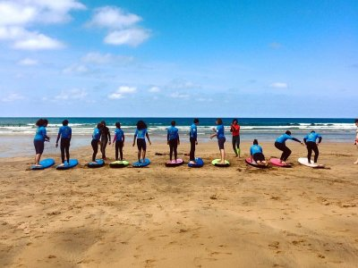 Curso de surf en Zarautz de lunes a viernes 2 h.