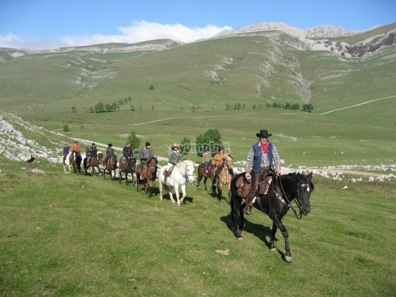 A caballo por el monte