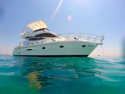豪华游艇租赁在巴塞罗那的一天