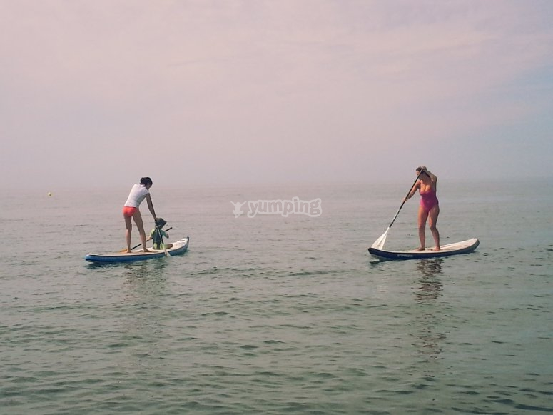 Due persone in Paddle Surf