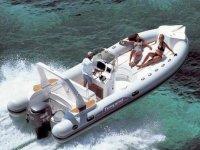 Embarcacion a motor para alquilar